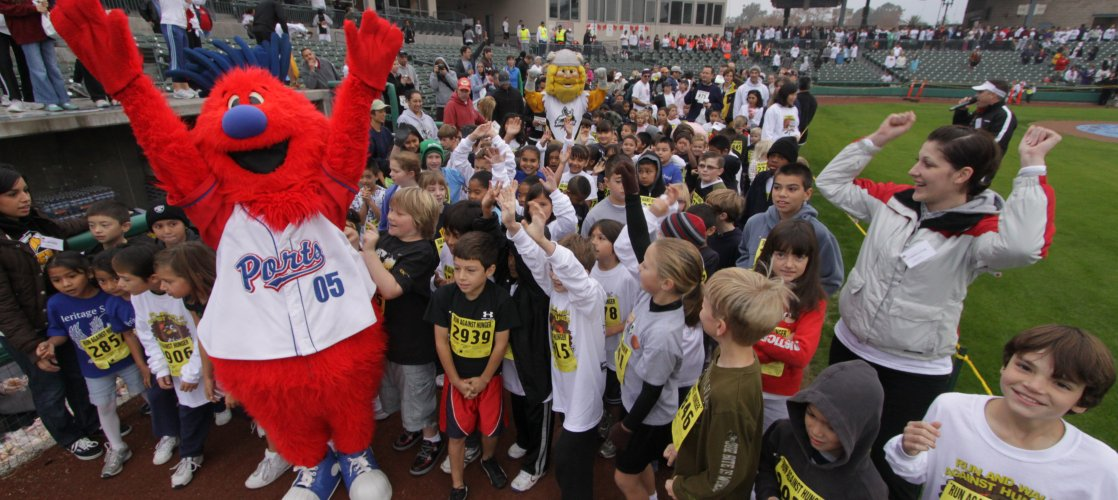 Annual Walk/Run Against Hunger - Kids' Fun Run on Thanksgiving morning